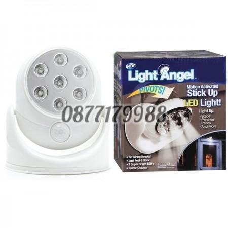 Сензорна LED лампа въртяща се на 360 °